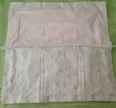 Essa bolsa pode ser usada no dia a dia, mas a princípio foi feita para usar  para carregar a toalha e acessórios para praia, como o protetor, óculos  entre ... 6b5b1d2627