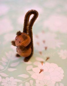 November | crafting | hazel nuts + chenille stems = little squirrels ♡