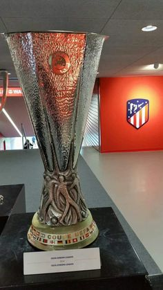 At Madrid, Antoine Griezmann, Old Trafford, European Football, Europa League, Arsenal Fc, College Basketball, Manchester City, Champions League