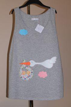 cocodrilova: camiseta premama personalizada  #camisetapremama #premama #embarazo #camisetapersonalizada #cigueña