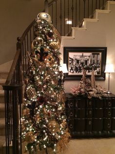 A Beautifully Decorated New Orleans Saints Christmas Tree ...