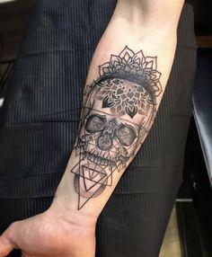 32 Unique Wrist Tattoos For Guys – Sleeve Ideas – Wrist Designs Mandala Tattoo Design, Mandala Arm Tattoo, Forearm Tattoo Design, Tattoo Arm, Alien Tattoo, Skull Tattoos, Leg Tattoos, Mens Forearm Tattoos, Mens Leg Tattoo