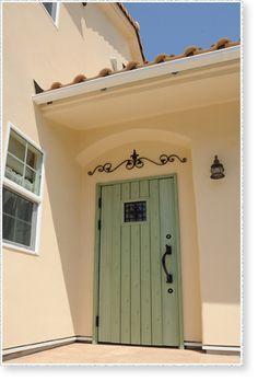 施工例31. 湘南の太陽が似合うプロヴァンスのお家 || ブルースホーム湘南・横浜【グッディーホームズ】