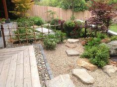 Steingarten-anlegen-Vorgarten-gestalten-japanisch-Zen-Kies-Koi-Teich