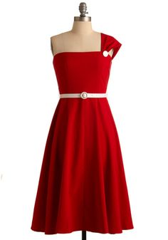 This would be a fun homecoming dress.
