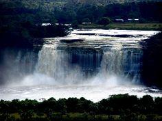 Salto río Carrao en Canaima
