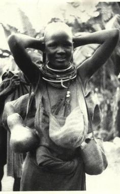 Gikuyu woman traveller