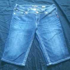 Silver suki Bermuda shorts Suki bermuda Silver brand shorts. New without tags. Never worn Silver Jeans Jeans