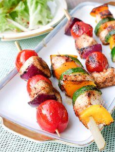 Rezept für Hähnchenspieße mit Tomaten, Paprika und Zucchini