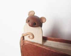unusual and  unique bookmark grey, gray  mouse Polymer Clay, handmade によく似た商品を Etsy で探す