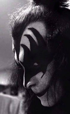 — Gene Simmons #genesimmons