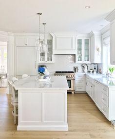 Blue hydrangea/white kitchen