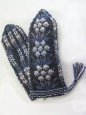 Based on traditionel model. Knit Mittens, Knitted Gloves, Knitting Socks, Knit Socks, Handicraft, Crochet, Colours, Stitch, Tricot
