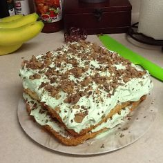 day angel food cake with frosting made of pistachio pudding cool whip ...