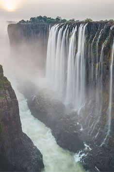 10 of the Most Stunning Waterfalls in the World Victoria Falls, Zimbabwe. Check out 10 of the most stunning waterfalls in the world! Dream Big Travel More // Dream Big . Beautiful Places In Japan, Beautiful Places To Visit, Beautiful World, Cool Places To Visit, Amazing Places, Beautiful Waterfalls, Beautiful Landscapes, Les Cascades, Victoria Falls