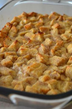 Classic Bread Pudding with Vanilla Sauce - I& going to try and triple this recipe and add raisins. Serving at the VA for dessert. Köstliche Desserts, Delicious Desserts, Dessert Recipes, Yummy Food, Irish Recipes, Sweet Recipes, Dessert Bread, Pudding Recipes, Scones