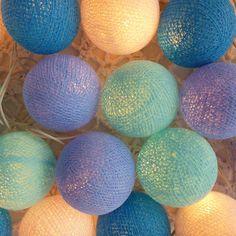 Fio de luz - Bolas tons de azul e branco