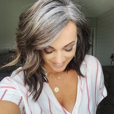Approaching 9 months since the last time I dyed my roots. I lack patience at times and the thing I get frustrated most is not the… Grey Hair Don't Care, Grey Hair Dye, Grey Curly Hair, Long Gray Hair, Silver Grey Hair, Curly Hair Styles, Natural Hair Styles, Grey Hair Transformation, Gray Hair Highlights