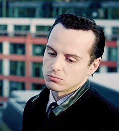 You'd think I'd have seen all the hot Reichenbach screen caps by now, but. Jim Moriarty, Sherlock Holmes Bbc, Andrew Scott, Fiction Film, Best Supporting Actor, Andrew Garfield, Hot Actors, John Watson, Johnlock