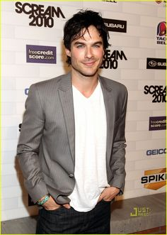'Vampire Diaries' Cast: Scream Awards Presenters!