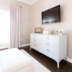 Unfamiliar tv above linear fireplace tips for 2019 – Dresser Decor Tv In Bedroom, Bedroom Dressers, Bedroom Decor, Dream Bedroom, Master Bedroom, White 6 Drawer Dresser, Dresser With Tv, Luxe Decor, Tv Decor