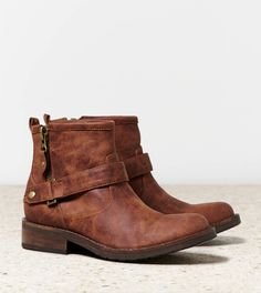 And now, after years of searching, I have found ankle boots that I want!  ::  Buckled Ankle Boot from American Eagle $69.95