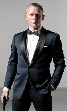 James Bond Midnight Blue Skyfall Tuxedo Suit <br> Midnight Blue Tuxedo for Sale. also Available Daniel Criag James Bond Tuxedo with Shawl Lapel for Mens at fjackets Store. Terno James Bond, James Bond Tuxedo, James Bond Suit, Bond Suits, James Bond Style, Men's Suits, Navy Suits, Tom Ford Tuxedo, Tuxedo Coat