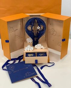 Clever Packaging, Gift Box Packaging, Luxury Packaging, Bottle Packaging, Print Packaging, Packaging Design, Cake Packaging, Beauty Packaging, Pop Design