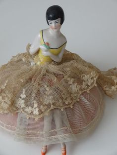 ART DECO LADY VINTAGE PIN CUSHION HALF DOLL ON A SKIRT BASE WITH LEGS