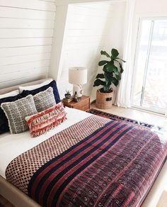Boho minimal bedroom decor