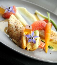 Tandoori, Edible Flowers, French Food, Fine Dining, Food Inspiration, Seafood, French Toast, Food And Drink, Fish