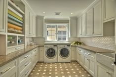 LAUNDRY ROOM – Another great design idea for a well-functioning laundry room. Room for wrapping station and lots of storage in the Laundry Room Laundry Craft Rooms, Laundry Room Storage, Laundry Room Design, Laundry Area, Small Laundry, Large Laundry Rooms, Basement Laundry, Storage Room, Storage Baskets