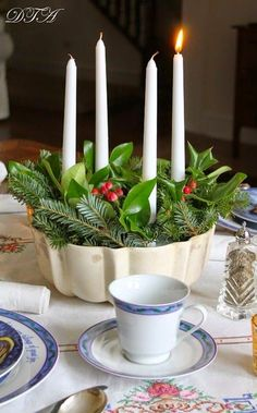 THE SCOOP #148      Advent Wreath using a cake pan - made by Laura at Décor to Adore