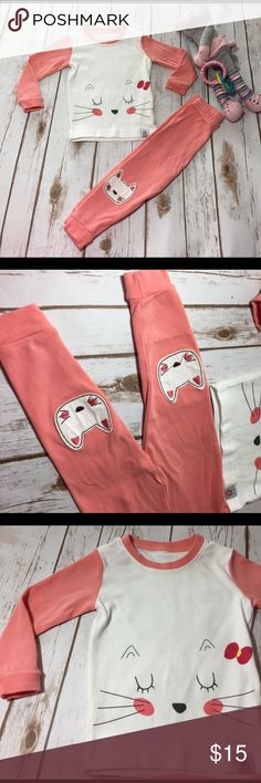 """Vaenait Baby """"kitty cat"""" pj set Purchased these last week from an awesome Posher with tags. I washed them and tried them on my daughter which is 90% for height/weight and they were too small:( We love these pj's! Excellent condition. Pajamas Pajama Sets"""
