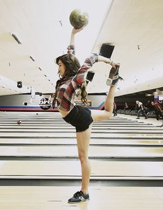 Dance wherever you go Cute Tomboy Outfits, Really Cute Outfits, Chachi Gonzales, Dancers Among Us, Cool Dance, Dance Movement, Dance Fashion, Celebs, Celebrities