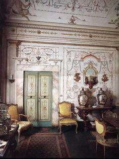 Antiques in Italian Interiors, Vol. I #Italian #antique #furniture