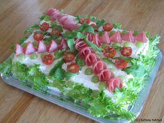 Lihavoileipäkakku Sandwhich Cake, Veggie Cakes, Hors D'oeuvres, Lidl, Savoury Cake, Sandwich Recipes, Pinwheels, Food Design, Finger Foods