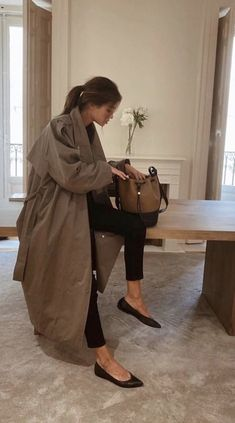 """𝔸𝕞𝕒𝕟𝕕𝕒 on Twitter: """"So ready for fall fashion… """" Looks Street Style, Looks Style, My Style, Fall Winter Outfits, Autumn Winter Fashion, Classy Outfits, Casual Outfits, Estilo Coco Chanel, Elegantes Outfit Frau"""