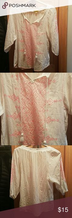Maeve Peasant Top Peasant Top from anthropologie. White with a cute pink design and tassles in the front. Super flowy and boho. Looks like new with no wear and tear. Make me an offer! I'm always willing to negotiate especially for bundles! Maeve Tops Blouses