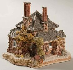 Diamond Cottage : Lilliput Lane Blaise Hamlet Cottage Collection