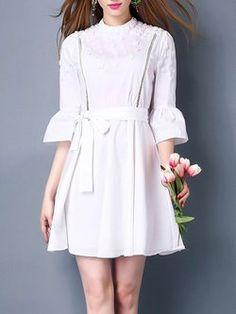White Bell Sleeve Algodão-mistura A-line Beaded Mini Vestido Floral