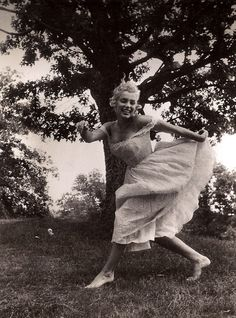 Marilyn dancing..