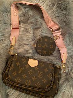 Louis Vuitton Handbags Crossbody, Pochette Louis Vuitton, Lv Pochette, Louis Vuitton Monogram, Office Outfits Women, Luxury Purses, Purses And Bags, Leather, Designer Handbags