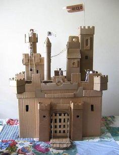 Le château en carton                                                                                                                                                                                 Plus
