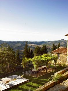 Villa Muri Antichi via Vogue Living.