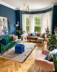 Dark Living Rooms, Living Room Green, Home Living Room, Living Room Designs, Living Room Decor, Living Area, Modern Living, Living Spaces, Bedroom Decor