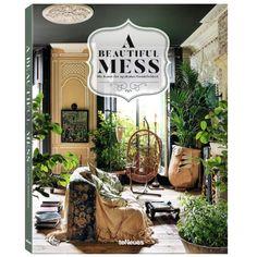 DitA beautiful mess celebrating the new eclecticism woonboek is van de auteur Claire Bingham, hij staat helemaal vol met mooie en bijzondere foto's.