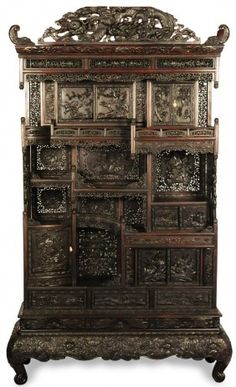 Lot: A MASSIVE MEIJI PERIOD JAPANESE DISPLAY CABINET, Lot Number: 0248, Starting Bid: $250, Auctioneer: Dirk Soulis Auctions, Auction: Winter Fine Arts Auction, Date: December 4th, 2010 COT