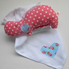 oudou hippo pink - baby doudou swaddle   Vermelho Morango Online Store www.vermelhomorango.com