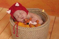 Маленький новогодний лисенок Стоимость от 400 р (на новорожденного). Подробности по wats app +7926-556-26-37  #newbornaccessories #newborn #knittingprops #photoprops #newbornphoto #props #newbornprops #best_newborn_photo #knitting #вязание #фотореквизит #аксессуарыдляноворожденных #реквизитдляфотосессии #юлинывязанки #одеждадляноворожденного #фотомалыша #фотографноворожденных #newbornphotographer #фотосессияноворожденных #julyprops #julyaccessories #julyknitting #фотосъемкадетей…